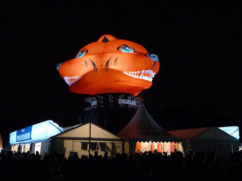 Photo AIRSYSTEMS FRANCE - MASCOTTE GONFLABLE PITBULL DOWNLOAD FESTIVAL 7 M - LIVE NATION - AIRSTYLE - GEANTS GONFLABLES