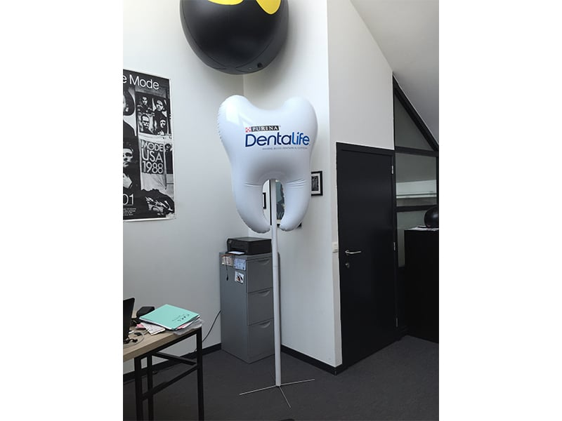 Photo AIRSYSTEMS FRANCE - DENT GONFLABLE DENTALIFE - PURINA - AIRFACTORY - PLV PRODUITS GONFLABLES