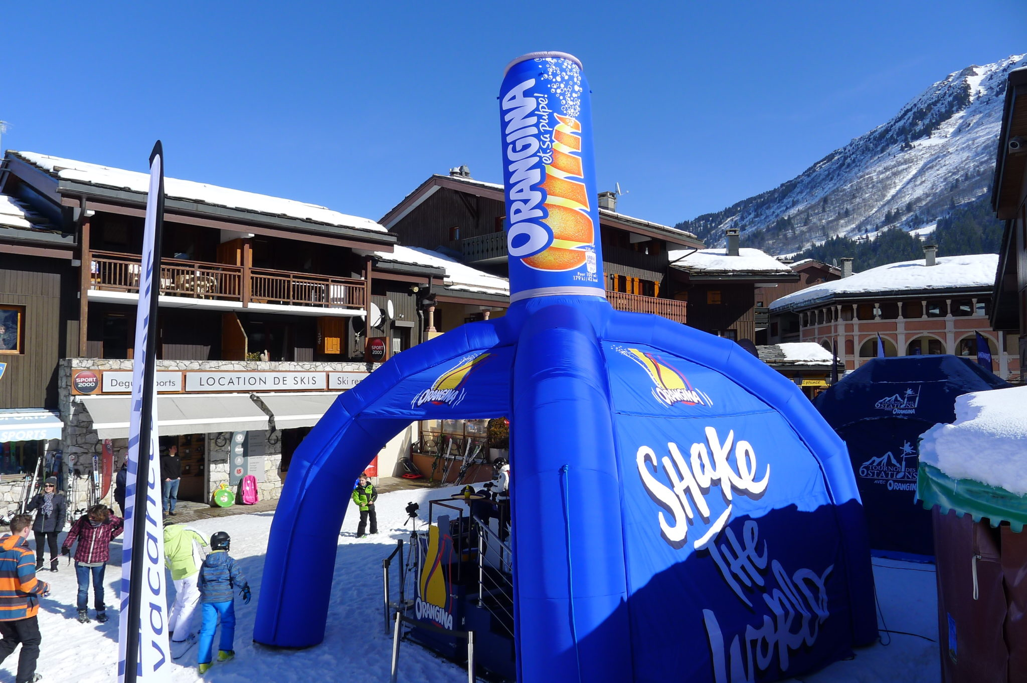 stand-gonflable-publicitaire-orangina-airsystems
