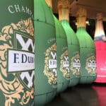 plv bouteilles gonflables champagne jeeper